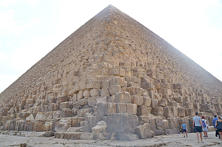 Budget Tour to Giza Pyramids and the Sphinx | Cheapest Giza Pyramids Tour