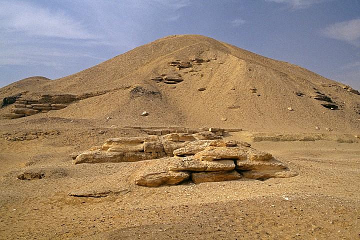 Cairo Day Tour to Lahun Pyramid and Lisht Pyramid | Pyramid of Senusret
