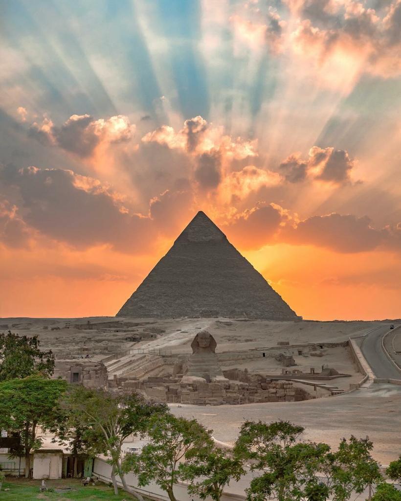 Tour to Giza pyramids and Islamic Cairo