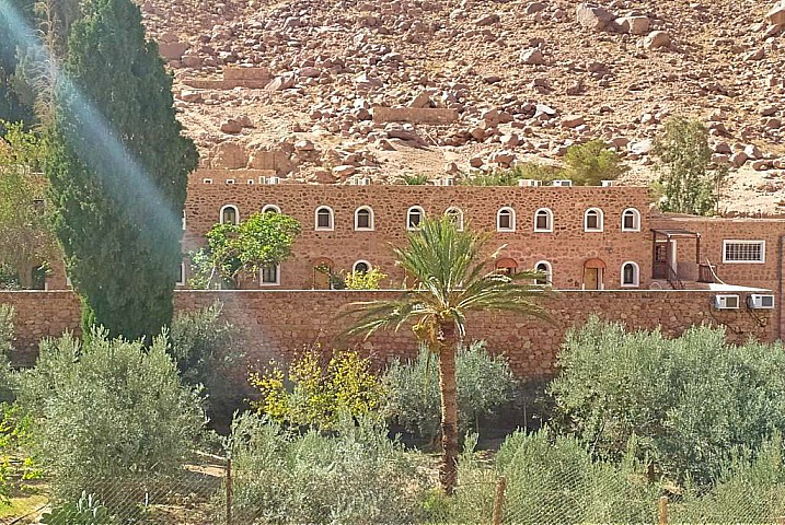 Mount Sinai and Saint Catherine Tour from Dahab