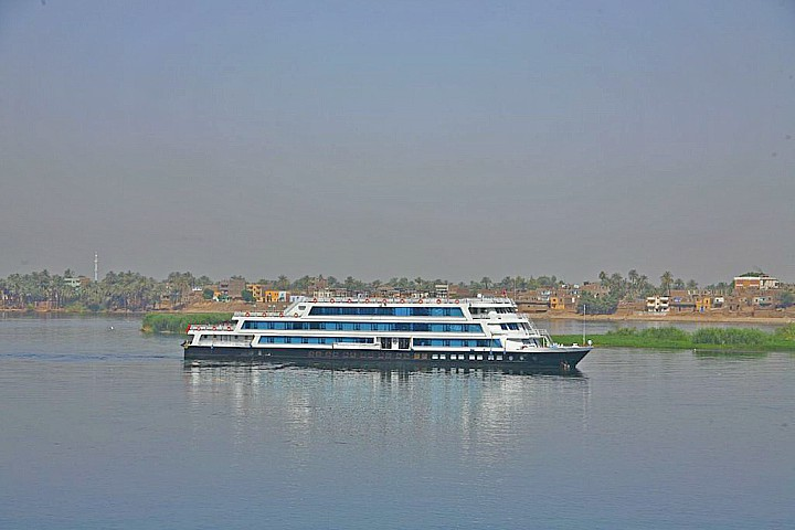 Mövenpick MS Darakum Nile Cruise Tours   Luxor Aswan Nile Cruises