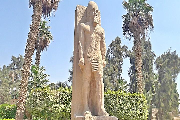 Wheelchair Accessible Tour to Giza Pyramids, Saqqara, and Memphis