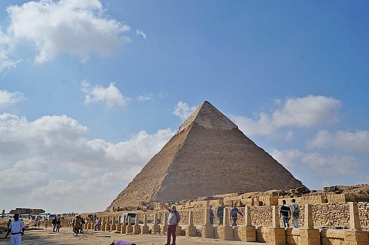 Tour to Giza Pyramids | Giza Pyramids and the Egyptian Museum Tour | Pyramid Cairo Tour